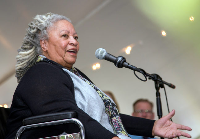 2016-Medal-Day-Toni-Morrison-speaking-closeup28sized29