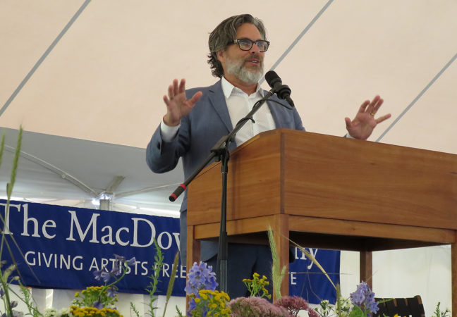 2017Medal-Day-Michael-CHabon-by-CH-IMG_3345281500W29