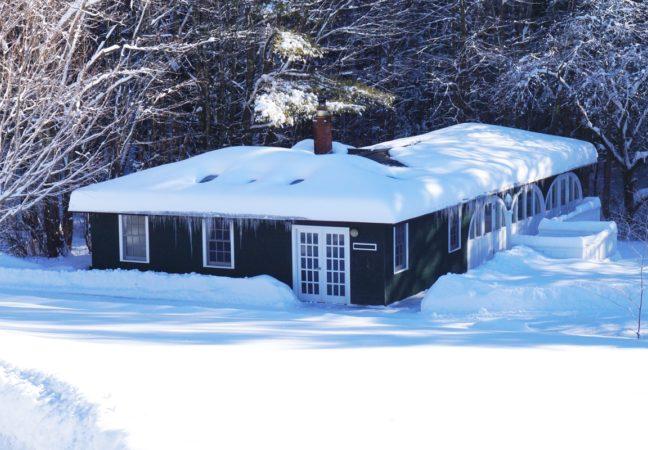 Graphics-Feb-2014-deep-snow-28329-cr-Jonathan-Gourlay28Portable29